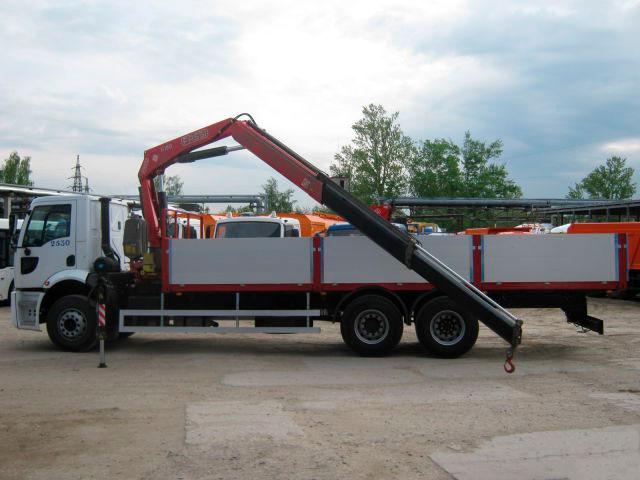 Манипулятор FORD CARGO КМУ 5 тонн